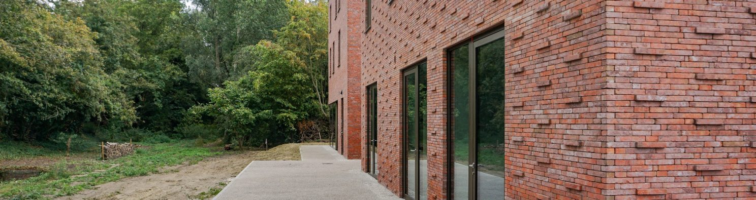"Residence DHK; Brick Award 2020 Category ""Living Together""; Architects: D'hondt Beyens Goesaert, Photo:  Dries Goesaert"