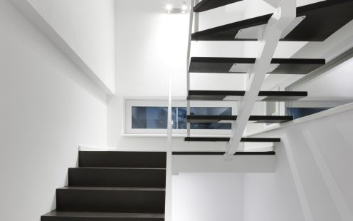 e4 house stairs